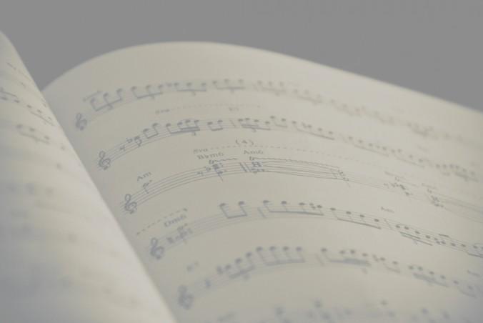 partitura-pozadie